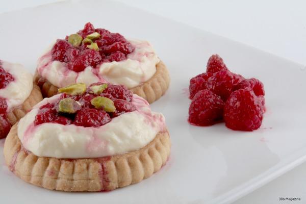 raspberry tartlets with cream