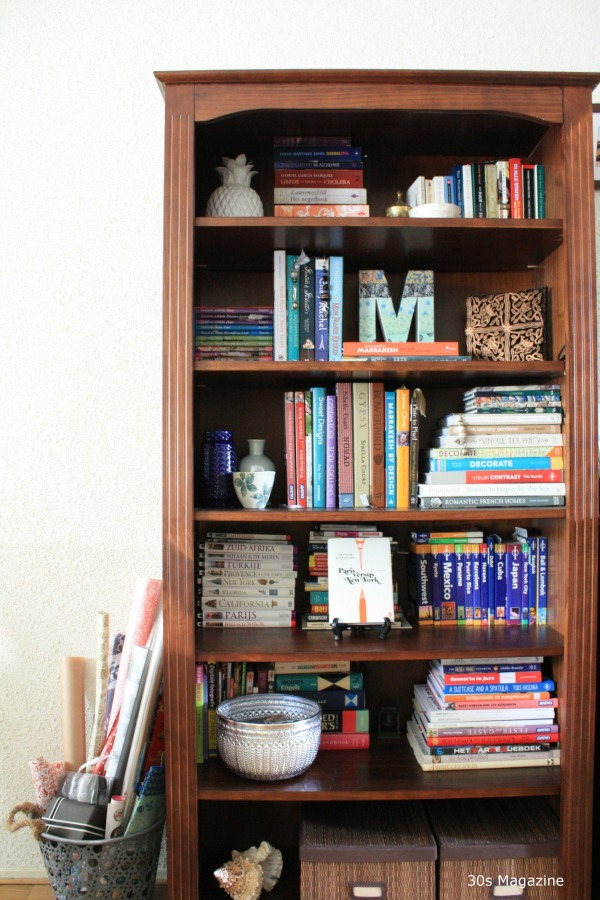 5 tips how to organize your bookshelves 30s magazine