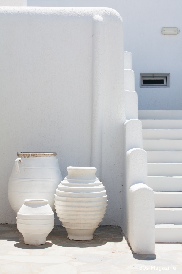 white Greek pottery