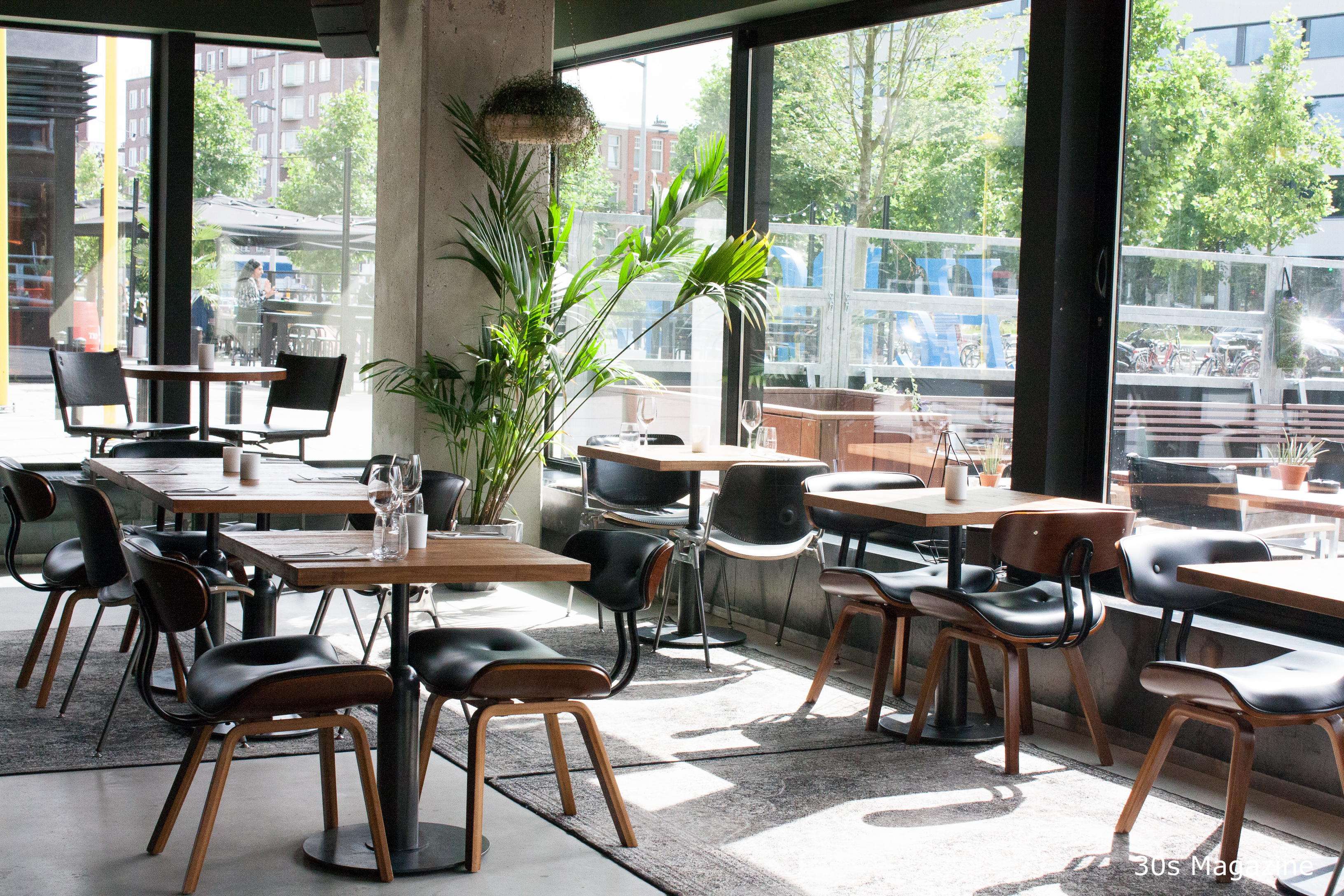 Restaurant C Hot Design Warm Atmosphere Cool And