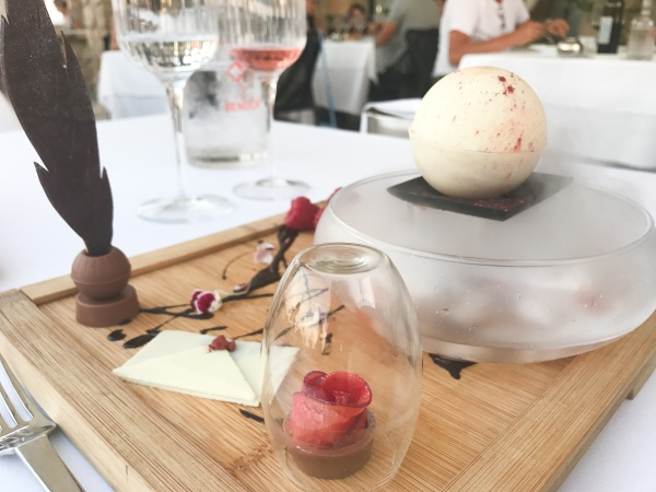 Restaurant Delos Ile Bendor